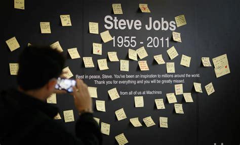 steve jobs 1955 2011 type eh スティーブ ジョブズ氏を世界各地で追悼している人々の写真20枚 dna