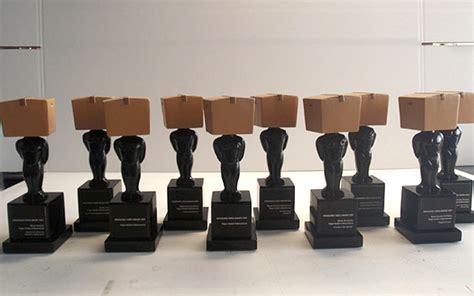 atelier eins atelier eins plastische dekoration gegossene objekte