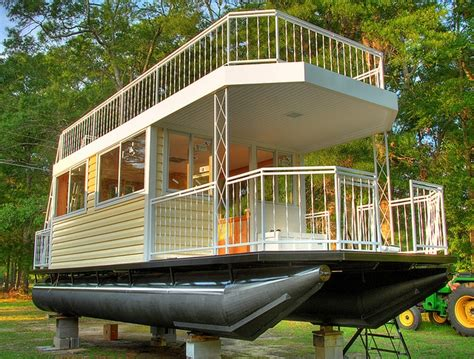 small boat rentals near me 17 best images about homemade houseboats on pinterest