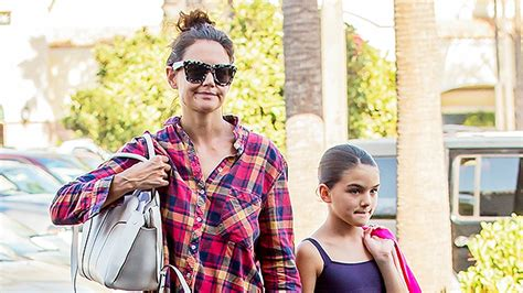Holmess Shopping Spree For Suri by Suri Cruise S Shopping Spree For Back To