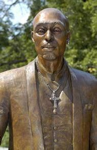 Shakur Statue Targeted In Possible Noose Incident by Decatur Dekalb There Are Nooses And There Are Nooses