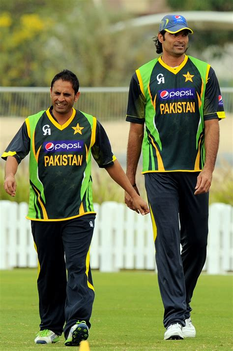 Mohammad Irfan towers over Abdur Rehman at training ...