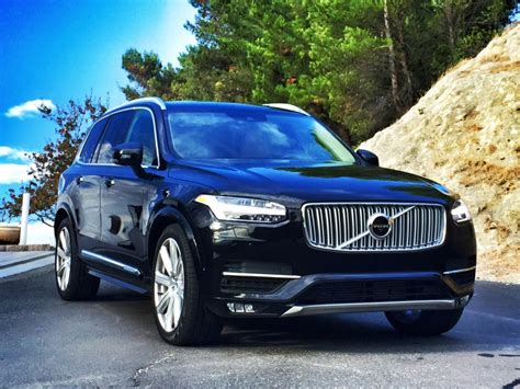 volvo logo 2016 10 non volvo like features in the 2016 volvo xc90