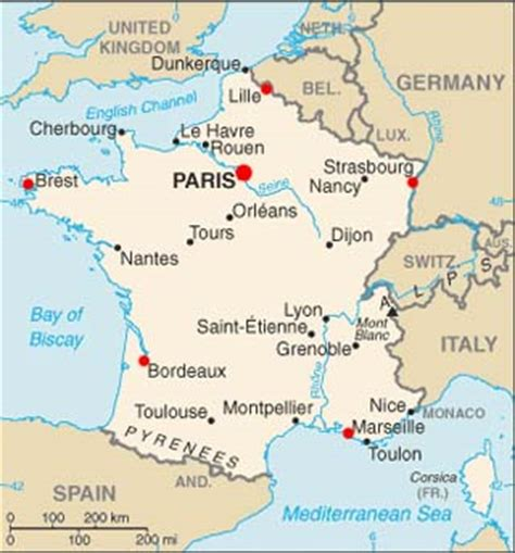 france latitude paris map coordinates