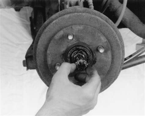how to remove axle nut cover 1994 hyundai sonata how to remove axle nut cover 1994 geo tracker how to remove axle nut cover 1992 geo storm how to
