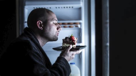 Stop It With The Midnight Snacking by Science Says Midnight Snacks Are Incredibly Unhealthy