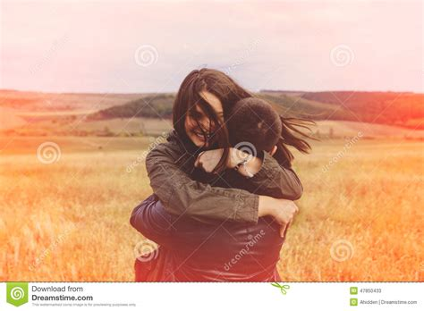 imagenes love and sensuality landscape portrait of young beautiful stylish couple