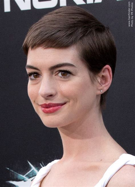Anne Hathaway's short haircut   Pixie