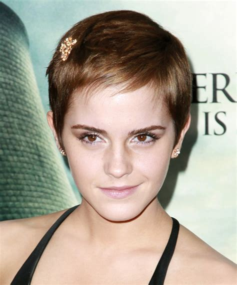 pixie hair cuts for triangle faces the perfect pixie haircut for your face shape