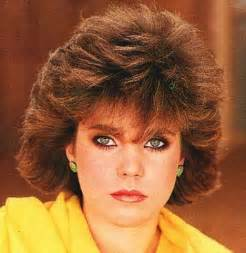 1980s feathered haircuts 1980 s women s hairstyles click pic to see women s