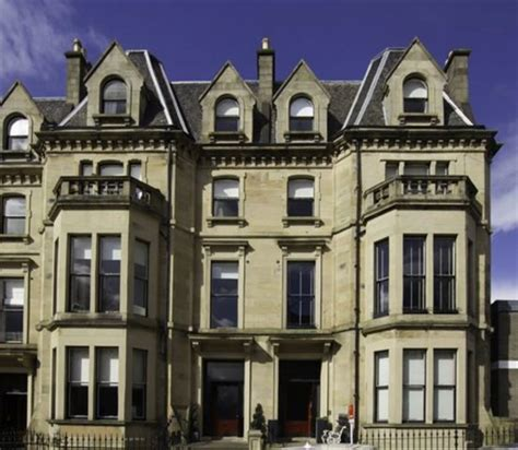 3 bedroom flats to rent in glasgow city centre 3 bedroom flat to rent in kingsborough gardens glasgow g12