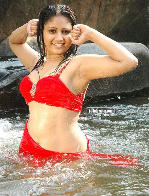 amrutha valli bathing photos photos