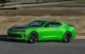 look 2017 chevrolet camaro 1le testdriven tv