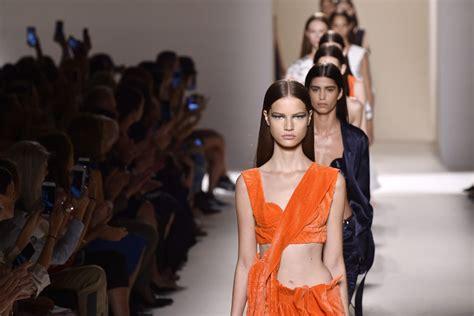 brooklyn beckham fashion show david brooklyn beckham support mom victoria at new york