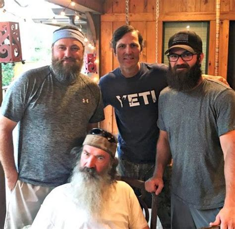 duck dynasty hair cut this duck dynasty star shaved his beard and he looks