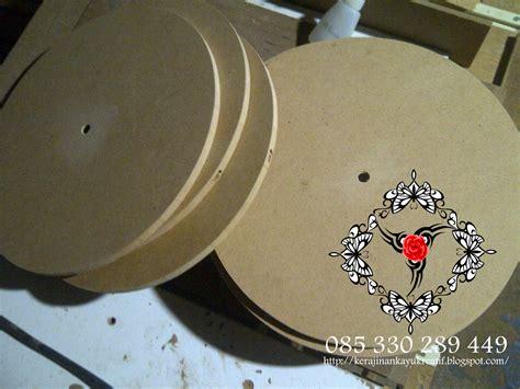 video membuat jam dinding kerajinan souvenir dari kayu limbah membuat jam dinding