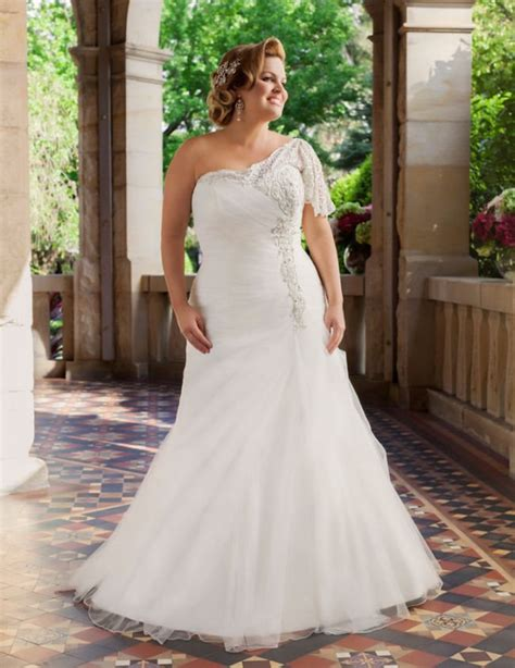 Wedding Dress For Curvy stylish wedding dresses for curvy brides