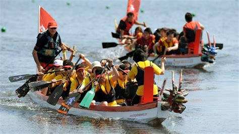 dragon boat racing chinese new year boat racing for chinese new year central itv news