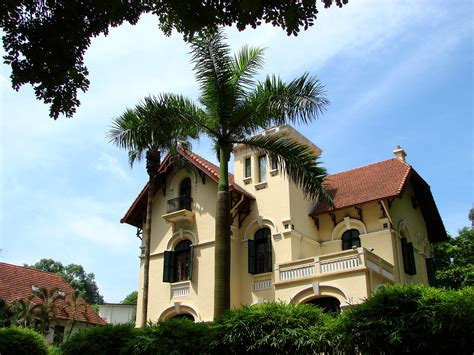 french colonial archetecture file french colonial architecture hanoi vietnam jpg