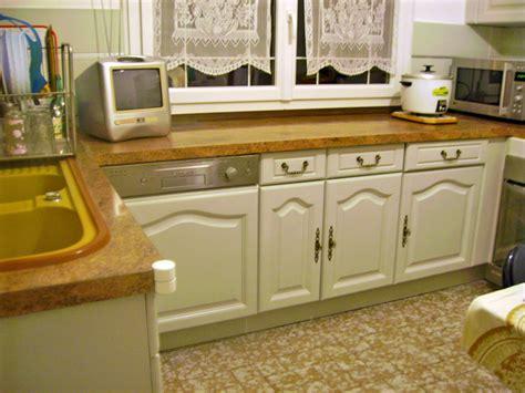vid駮s de cuisine comment repeindre un meuble en ch 234 ne marron en blanc laqu 233