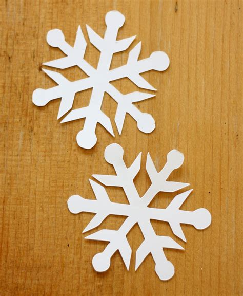 How Do U Make A Snowflake Out Of Paper - easy 3d snowflake ornaments