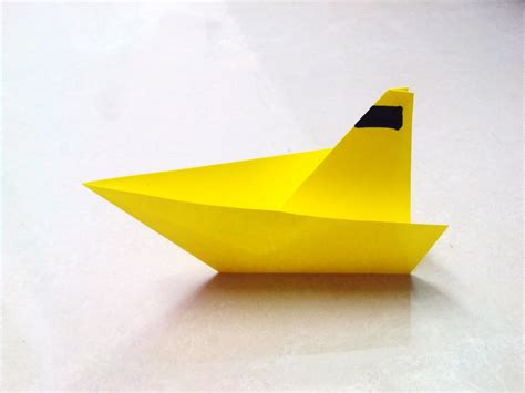 Folding Paper Boat - paper boat craft site about children