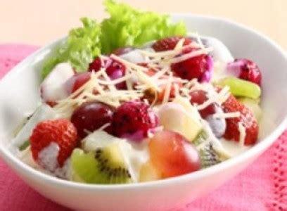 cara membuat salad buah keju cara membuat salad buah untuk diet enak sederhana resep