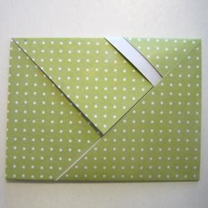How To Make An Envelope Out Of Wrapping Paper - fold an origami envelope easy tutorial