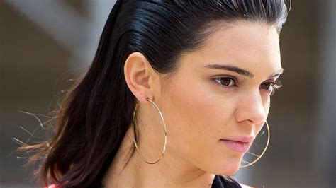 slick hair tv this one product is the key to kendall jenner s slicked