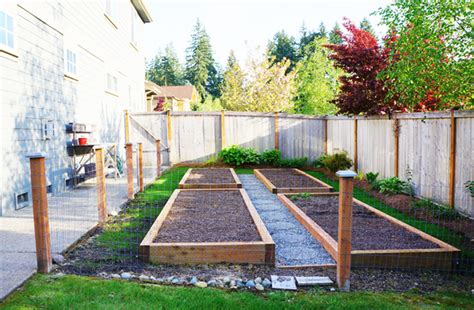 How To Transform A Small Backyard by How To Eat Your Lawn Transform Your Wasteful Grassy Space