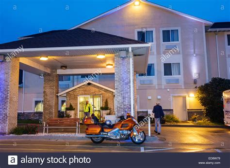 comfort inn chaign il illinois logan county lincoln holiday inn express hotel