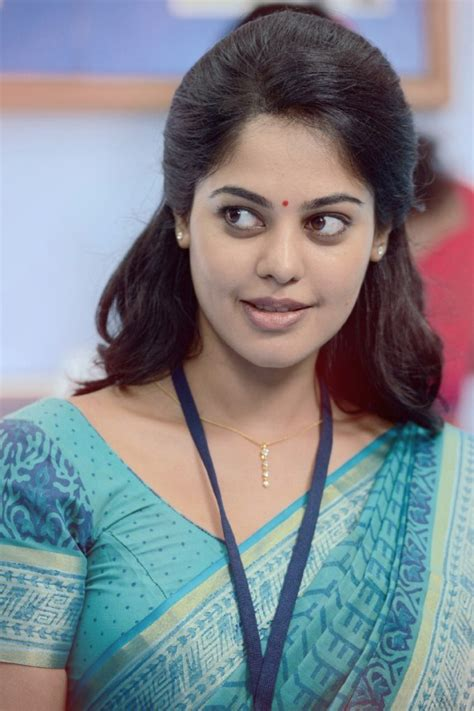 biography of film actress madhavi bindu madhavi photos bindu madhavi images pictures