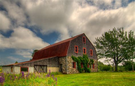 Pretty Barn Beautiful Barns In Maine