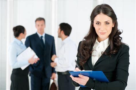 trovare lavoro in 6 trucchi per trovare lavoro su linkedin pinkitalia