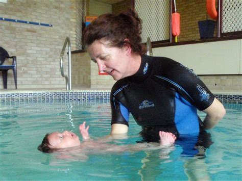 baby swimming teaching your baby to breath hold