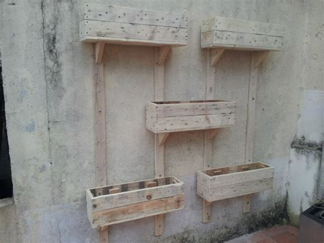pallet planter wall diy pallet wall planters