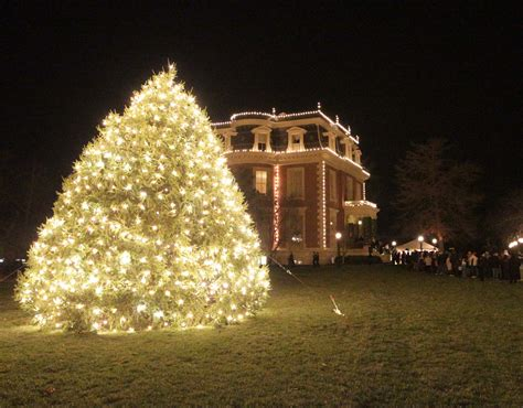 governor s mansion christmas tree search missouri