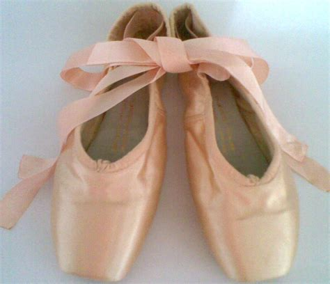 Sepatu Balet Pointe Shoes 2 ballerina memilih pointe shoes
