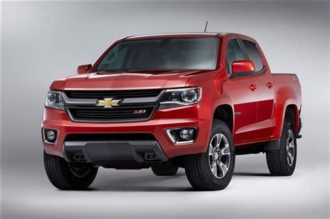 mid size chevrolet reinvents colorado midsize pickup truck for 2015