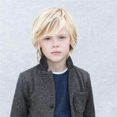 surfer kids hair styles for boys 17 beste idee 235 n over jongenskapsels op pinterest