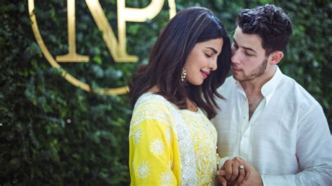 priyanka chopra and nick engagement pictures priyanka chopra nick jonas engagement announcement on