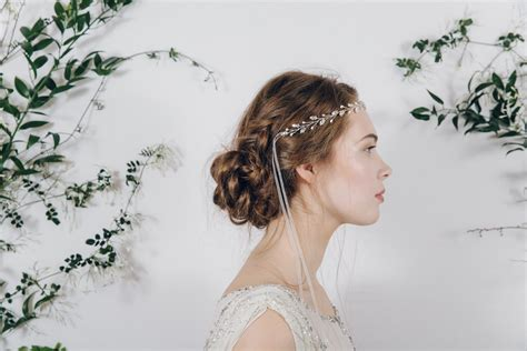 Wedding Hair With Ribbon by How To Style A Ribbon Tie Headband One Of The Most
