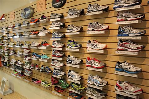 buying the right running shoes top 10 tips on buying running shoes yasmine say medium