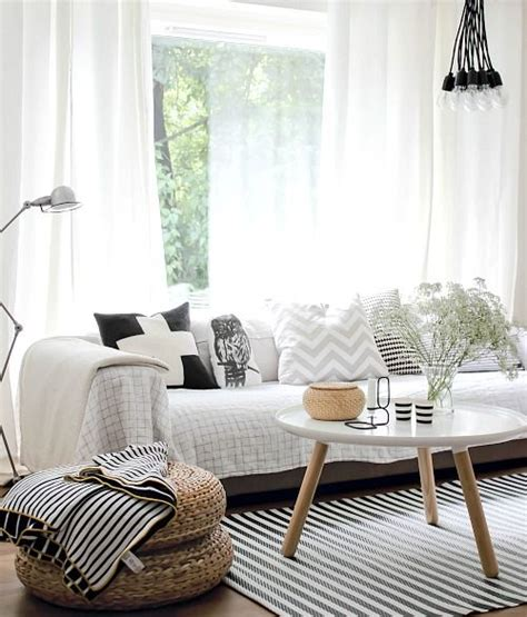 8 Pretty Ls For Your Living Room by 77 Best Pretty Images On Pjs