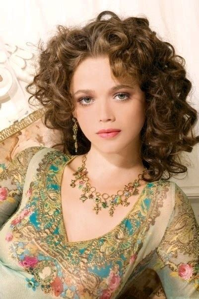 gypsy haircuts for wavy hair boho beautiful gypsy glow love the hair too gypsy