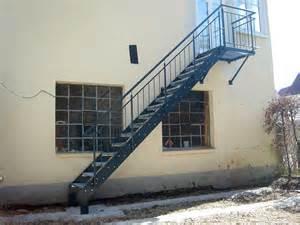 treppe metall 220 ber 1 000 ideen zu metalltreppe auf treppe
