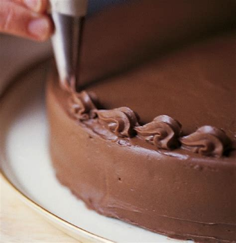 Decorating A Cake by How To Decorate A Cake Williams Sonoma Taste