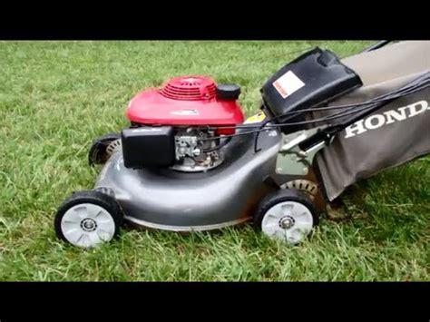 honda hrr216 lawn mower honda hrr216 harmony ii lawn mower with the quadra cut