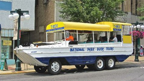 duck boat tours arkansas are we there yet wisequacks set tone of hot springs duck