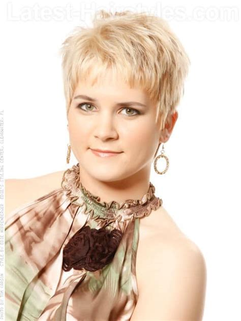 hairstyles of the 30 and 40 30 superb short hairstyles for women over 40 page 5